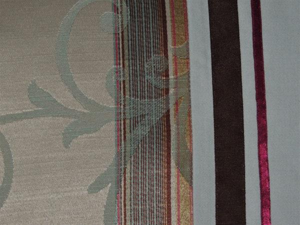 Coussin en tissu d'ameublement Matière du tissu de ce coussin, coton et polyester Ce coussin est déhoussable (finition portefeuille) L'intérieur de ce coussin est 100% polyester Les dimensions de ce coussin sont 40 X 65 cms Ce coussin est lavable à 40°